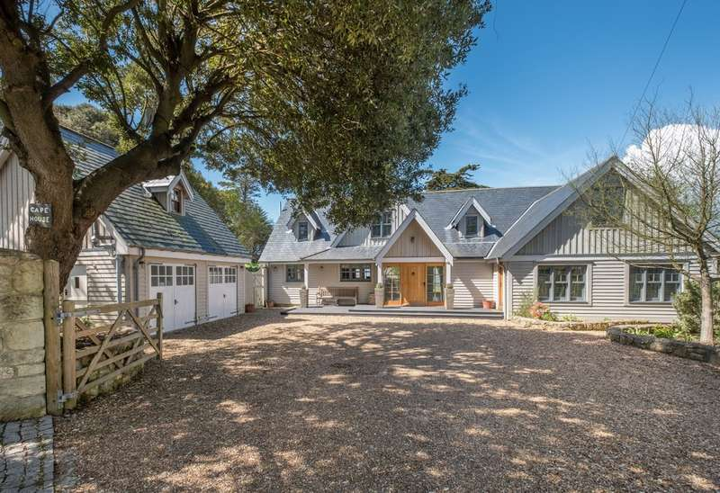 6 Bedrooms Detached House for sale in Totland Bay, Isle of Wight