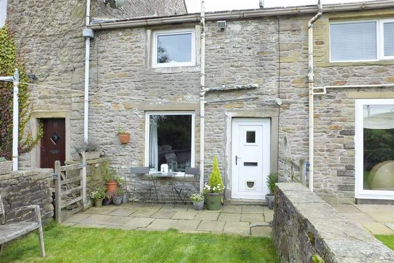 2 Bedrooms Cottage House for sale in Gillians Lane, Barnoldswick, Lancashire, BB18