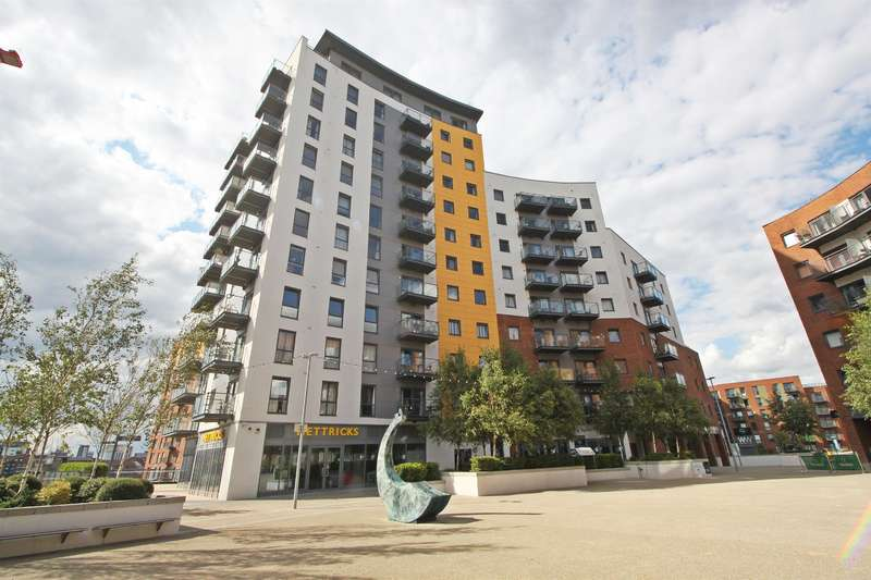 3 Bedrooms Apartment Flat for sale in Centenary Plaza, Southampton, SO19