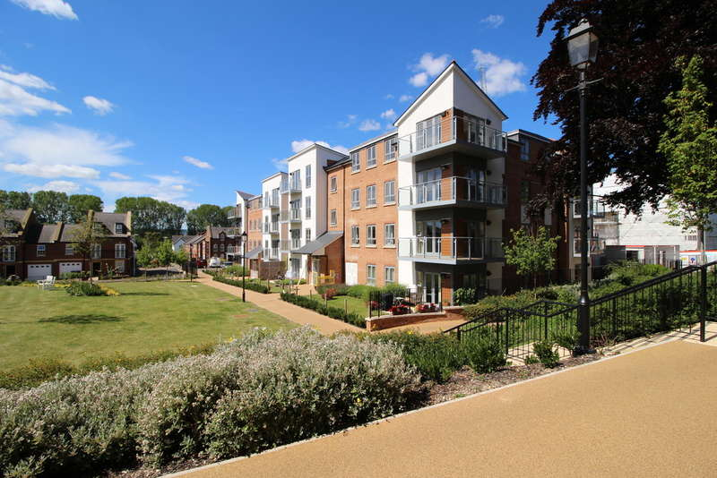 3 Bedrooms Flat for sale in Sanderling House, Exeter