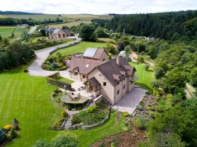 6 Bedrooms Detached House for sale in Hillside House, Rothes, Aberlour, Moray, AB38