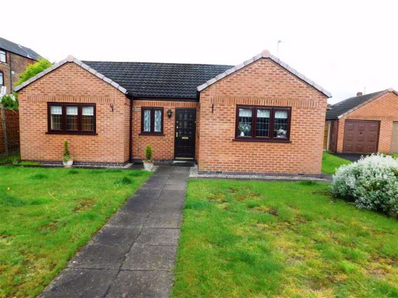 2 Bedrooms Bungalow for rent in Chatsworth Close, Droylsden, Manchester