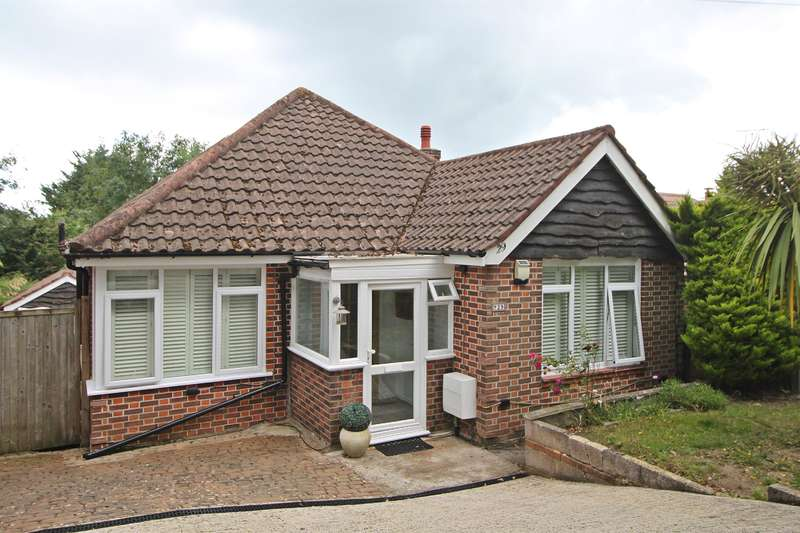 2 Bedrooms Bungalow for sale in Squires Walk, Southampton, SO19 9GJ