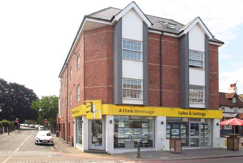 1 Bedroom Property for sale in St Williams Court, West Wickham