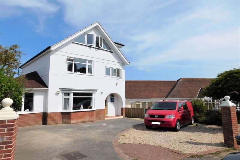 4 Bedrooms Detached House for sale in Lake Drive, Hamworthy, Poole, BH15