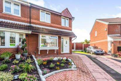 3 Bedrooms Semi Detached House for sale in Windsor Close, Bootle, Merseyside, L30