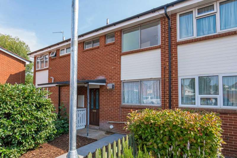 3 Bedrooms Terraced House for sale in Cooks Mead, Bushey