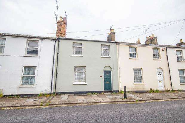 3 Bedrooms Terraced House for sale in All Saints Road, Cheltenham, GL52 2EY