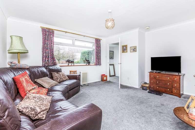 3 Bedrooms Semi Detached House for sale in Challenger Close, Paddock Wood, Tonbridge, Kent, TN12