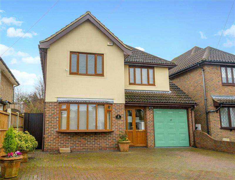 4 Bedrooms Detached House for sale in Bridgwater Drive, Westcliff-on-Sea, Essex, SS0