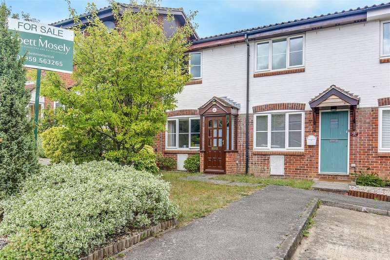 2 Bedrooms Terraced House for sale in Squerryes Mede, Westerham