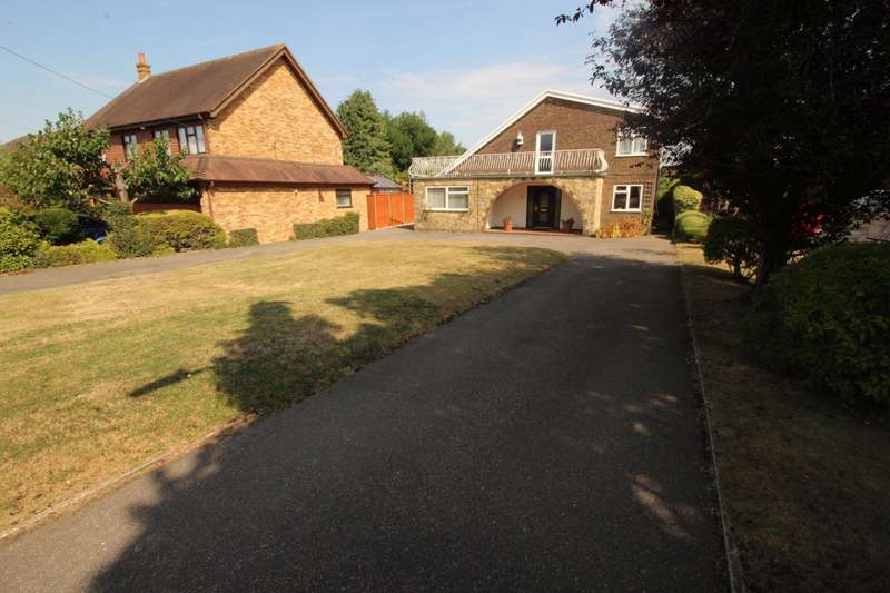 4 Bedrooms Detached House for sale in Mill Lane, Blue Bell Hill, Chatham, ME5