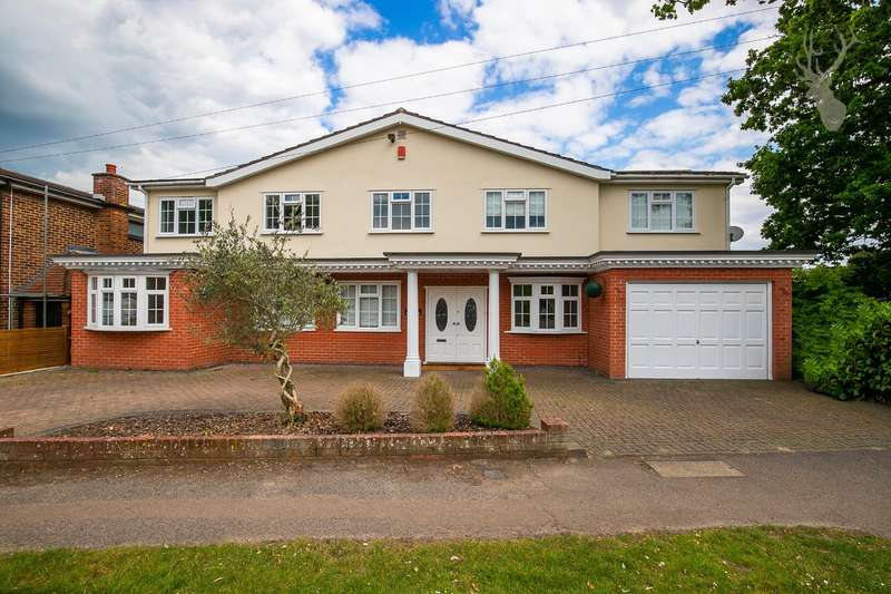 5 Bedrooms Detached House for sale in Baldwins Hill, Loughton, Essex