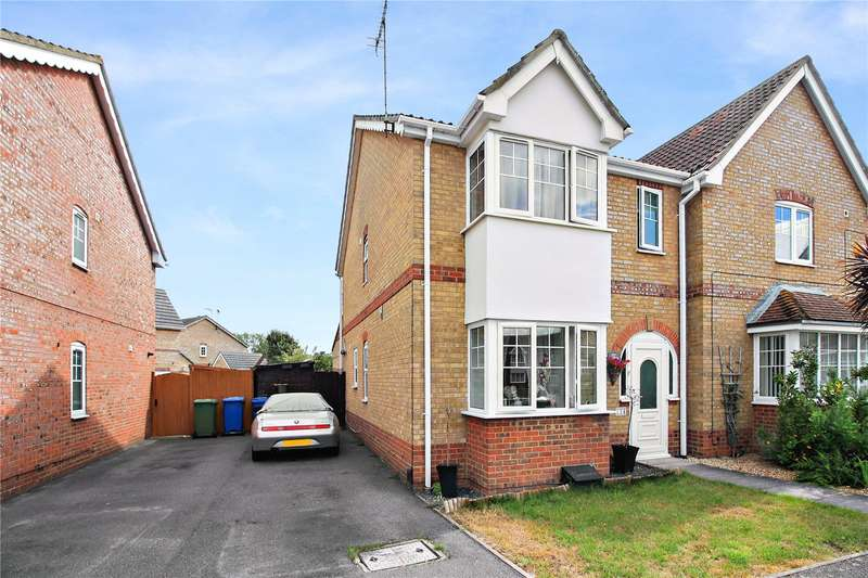 3 Bedrooms Semi Detached House for sale in Yeates Drive, Kemsley, Sittingbourne, Kent, ME10