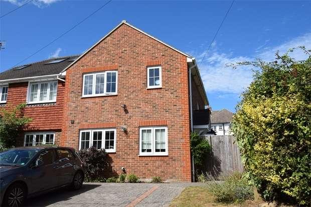 3 Bedrooms Semi Detached House for sale in Mount Pleasant Road, Weald, Sevenoaks, Kent