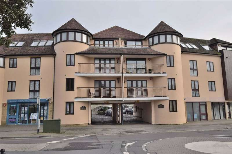 3 Bedrooms Flat for sale in New Milton