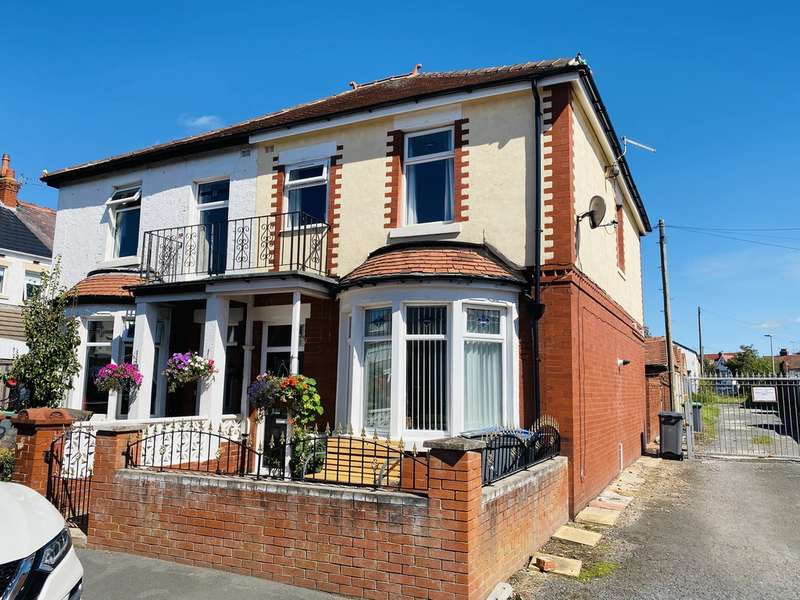 2 Bedrooms Semi Detached House for sale in Aylesbury Avenue, South Shore FY4