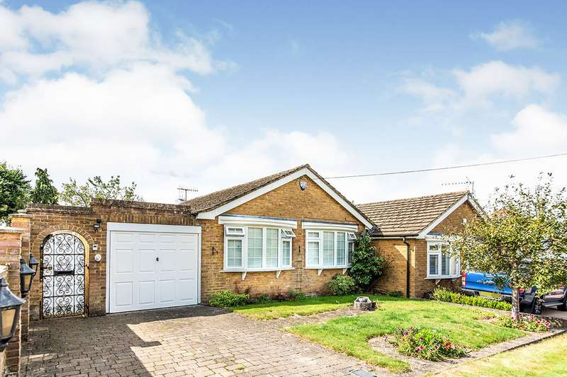 3 Bedrooms Semi Detached Bungalow for sale in The Rise, Park Street, St. Albans, Hertfordshire, AL2