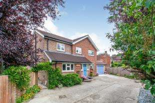 4 Bedrooms Detached House for sale in Tudeley Road, Tonbridge, Kent, .