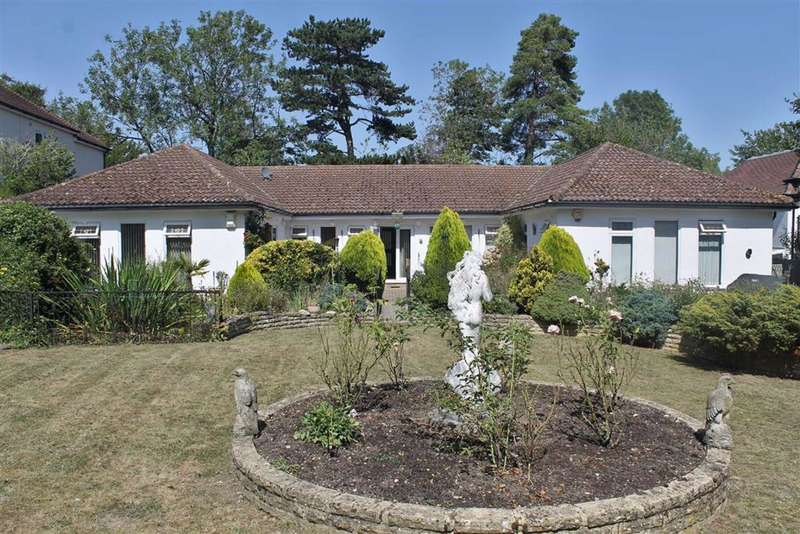 4 Bedrooms Detached Bungalow for sale in Manor Drive, Hartley