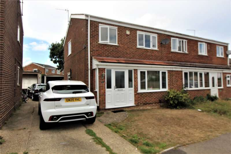 3 Bedrooms Semi Detached House for sale in Panton Close, Chatham, Kent, ME5