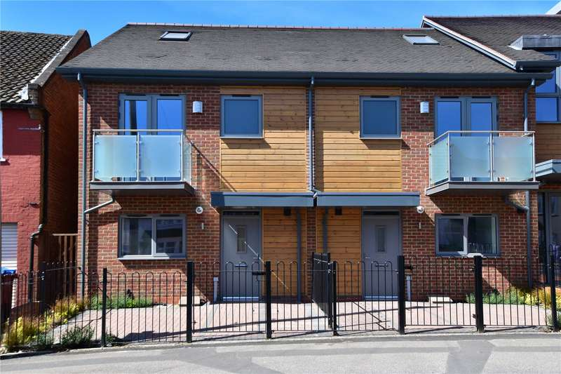 3 Bedrooms End Of Terrace House for sale in High Street, Bovingdon, Hertfordshire, HP3