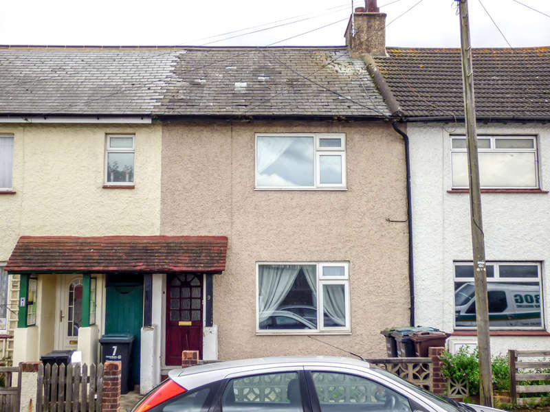 3 Bedrooms Terraced House for sale in Council Avenue, Northfleet, Gravesend