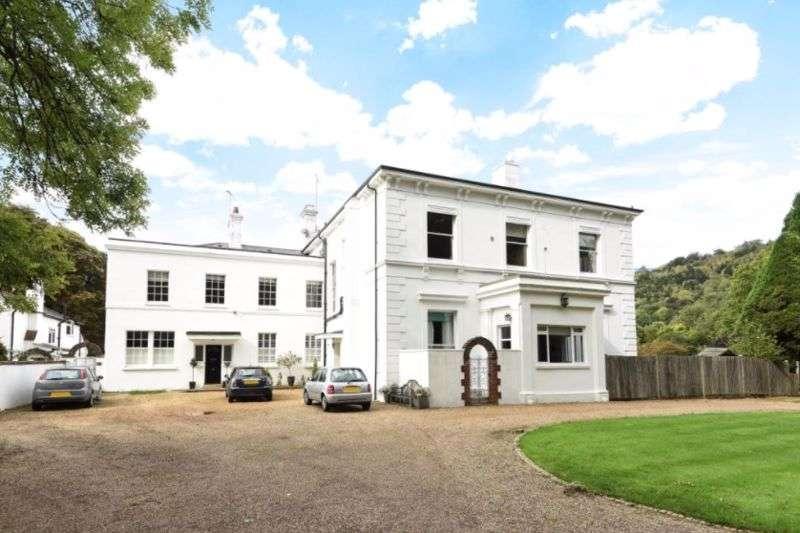 2 Bedrooms Property for rent in Pixham Lane, Dorking