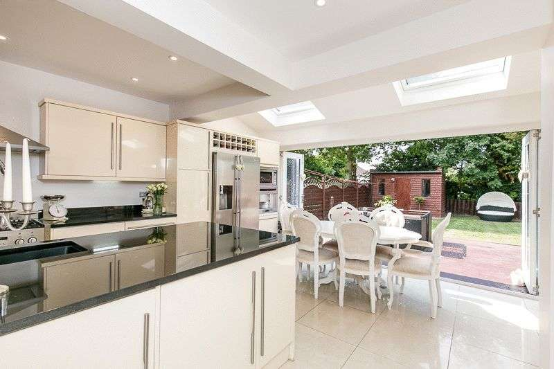 4 Bedrooms Property for sale in Verdayne Gardens, WARLINGHAM