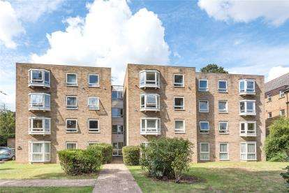 2 Bedrooms Flat for sale in Beechwood, 53 Copers Cope Road, Beckenham