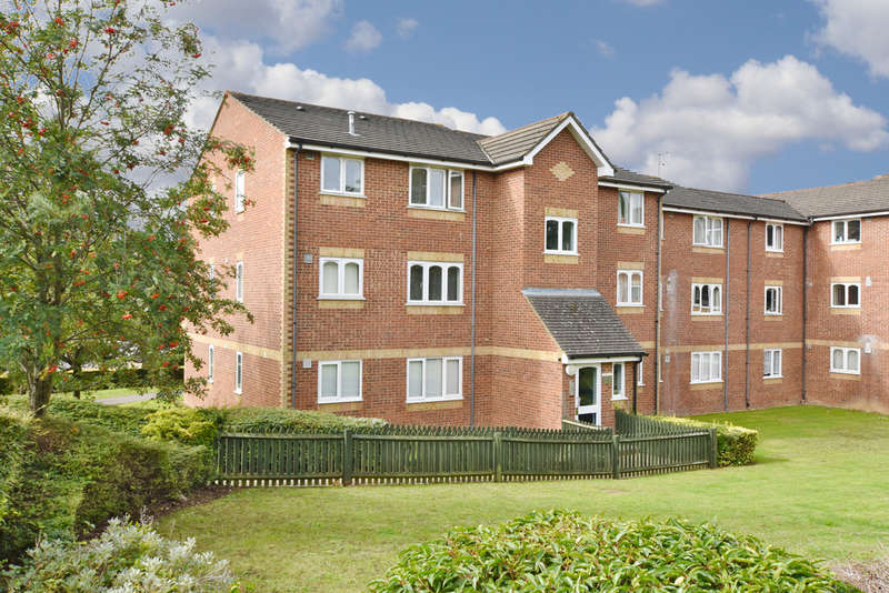 1 Bedroom Flat for sale in Chiswell Court, Sandown Road