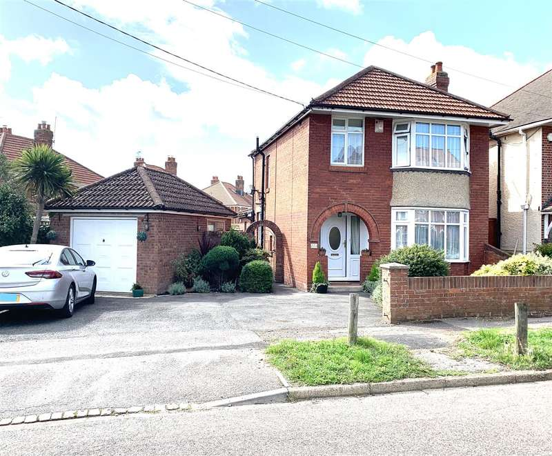 3 Bedrooms Detached House for sale in Munro Crescent, Southampton