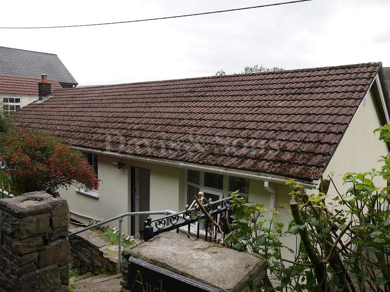 3 Bedrooms Bungalow for sale in West Bank, Cwmtillery, Abertillery, Blaenau Gwent. NP13 1RE