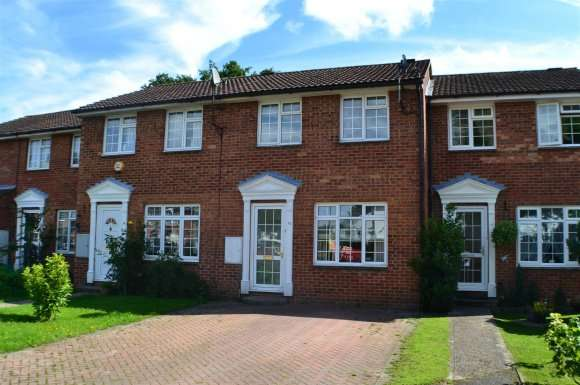 3 Bedrooms Property for sale in Ramsdell Close, Tadley