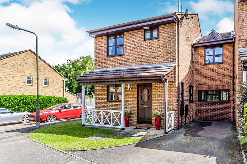 4 Bedrooms Detached House for sale in Wheatfields, Lordswood, Chatham, Kent, ME5