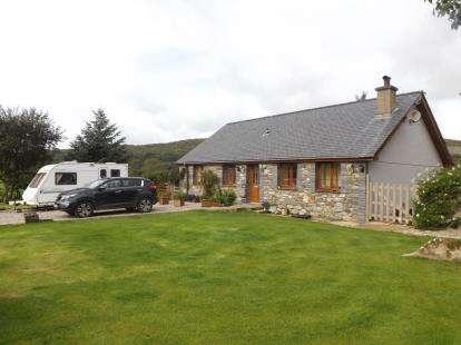 4 Bedrooms Bungalow for sale in Golan, Beudy Parc, Garndolbenmaen, Gwynedd, LL51