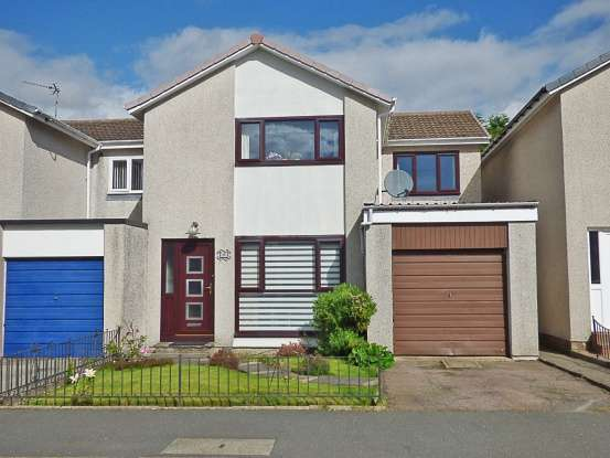 Semi Detached House for sale in Birch Avenue, Westhill, Aberdeenshire, AB32 6RG