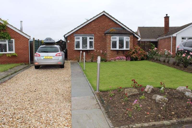 3 Bedrooms Property for sale in Kaybourne Crescent, Churchdown, Gloucester