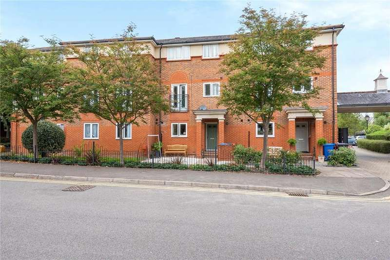 4 Bedrooms Property for rent in Chaucer Close, Windsor, Berkshire, SL4