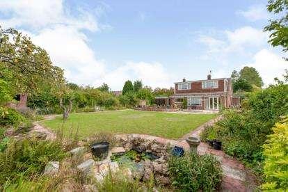 4 Bedrooms Bungalow for sale in Lakenheath, Brandon, Suffolk