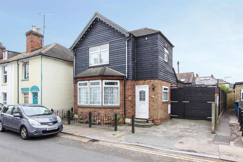 2 Bedrooms Detached House for sale in Woodlawn Street, Whitstable