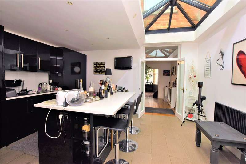 3 Bedrooms Terraced House for sale in Winchester Street, Taunton, TA1