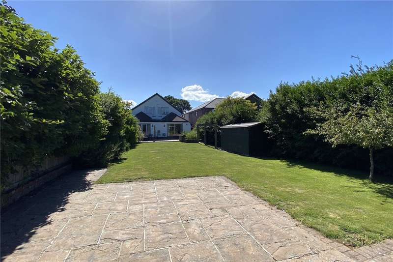 4 Bedrooms Detached House for sale in Highlands Road, Seer Green, Beaconsfield, Buckinghamshire, HP9