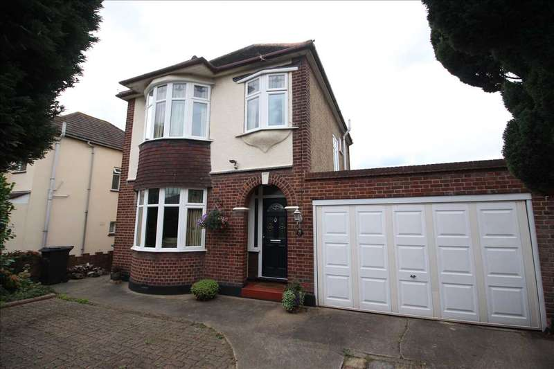 3 Bedrooms Detached House for sale in Chestnut Avenue