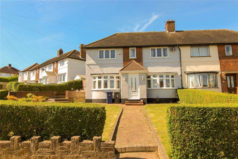 3 Bedrooms Semi Detached House for sale in Well Approach, Barnet, Hertfordshire, EN5