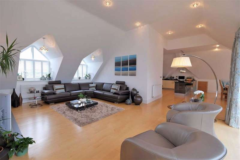 4 Bedrooms Penthouse Flat for sale in The Breakers, Victory Boulevard, Lytham