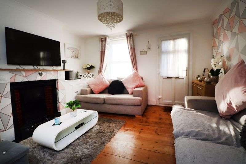 2 Bedrooms Property for sale in New Street, Brightlingsea