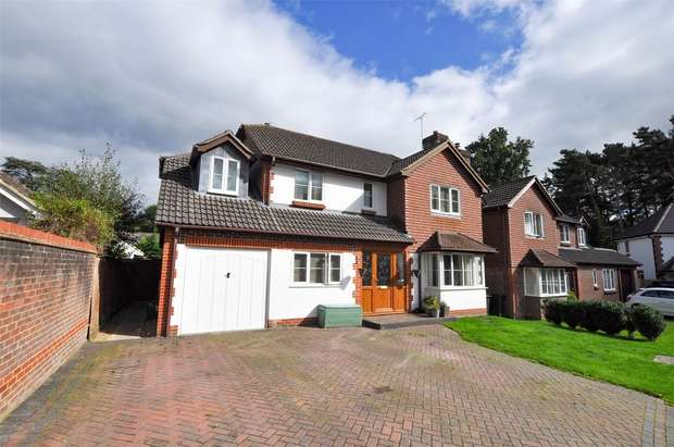 5 Bedrooms Detached House for sale in Sycamore Place, WIMBORNE, Dorset