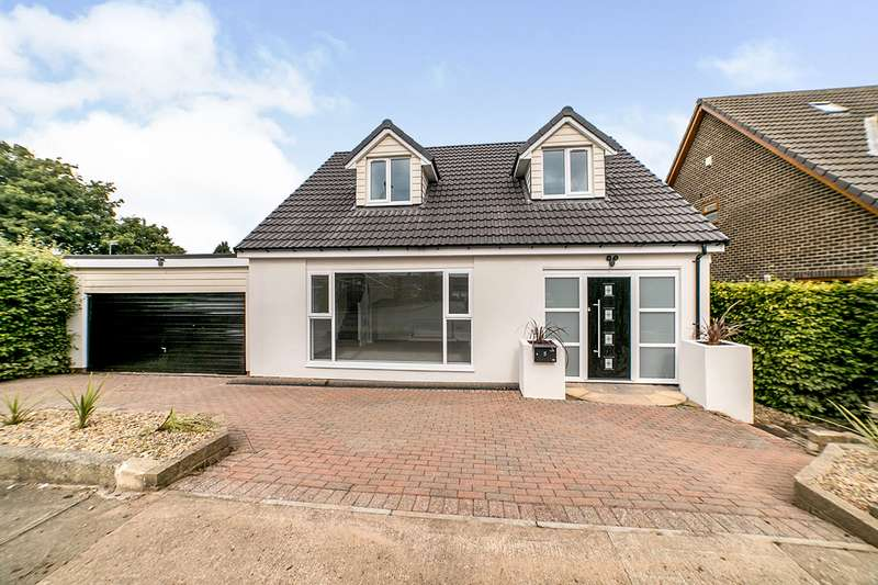 4 Bedrooms Detached House for sale in North Close, Ryton, NE40