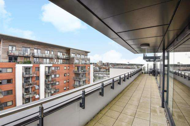 3 Bedrooms Apartment Flat for sale in The Blake Building, Southampton